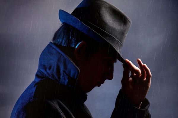 Thriller - Mann mit Hut